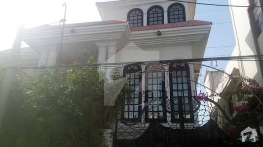 6 Bed Room 500 Yards House For Rent