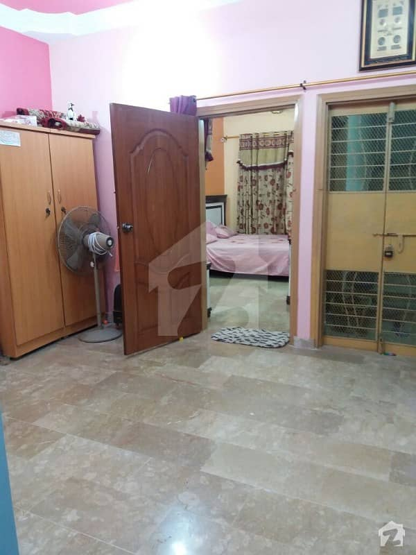Flat For Sale In Liaquatabad No 5 Near Shish Mahal