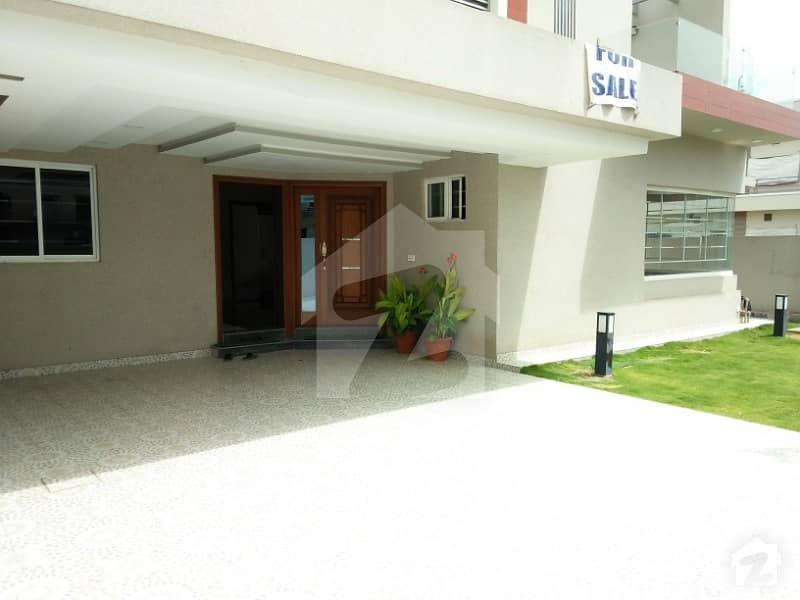 Luxury 1 Kanal Newly Constructed House For Sale In Bahria Town Phase 4