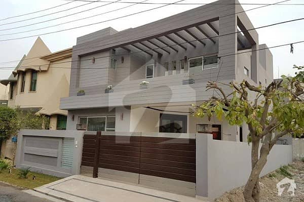 10 Marla Bungalow available for rent in DHA Phase 5 A block