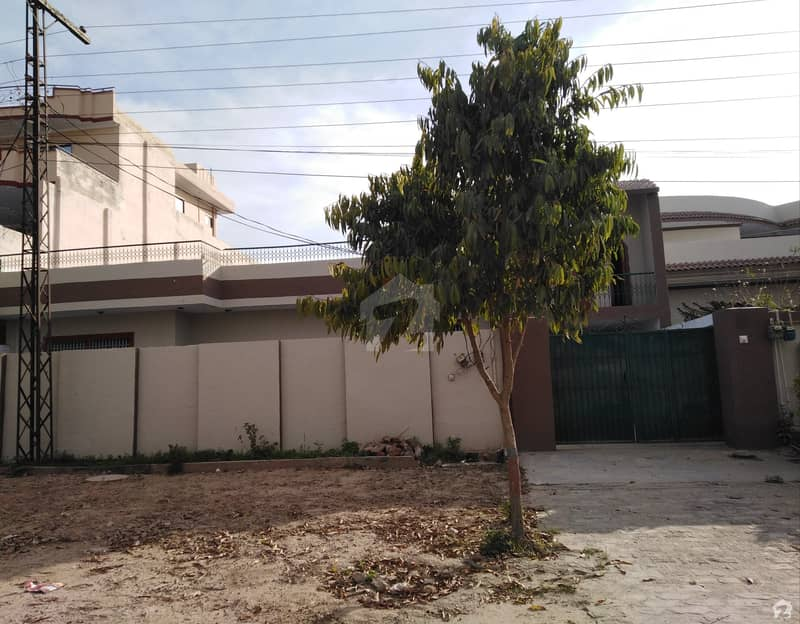 1 Kanal House For Rent At Very Good Location