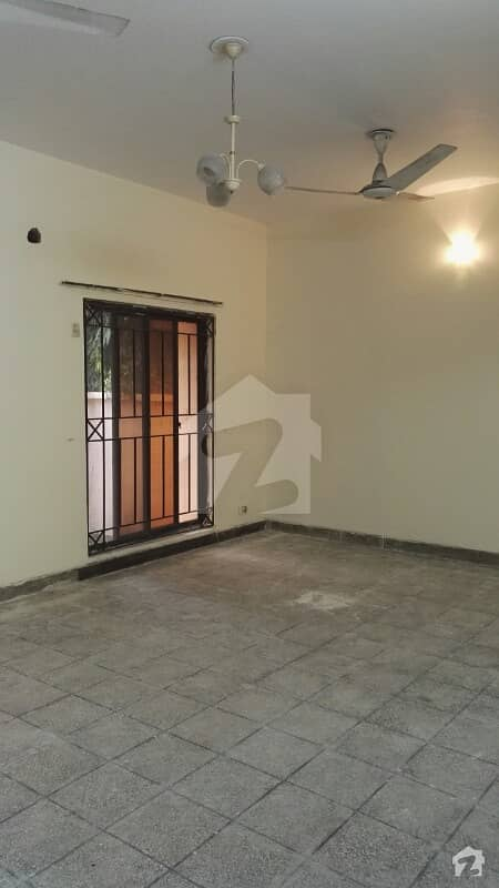 12 Marla 2 Bedrooms Upper Portion For Rent In PAF Officers Colony Zarrar Shaheed Road Lahore