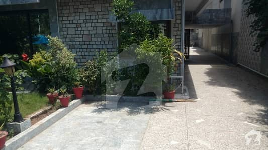 F-6/1  533 Sq Yards Excellent Livable House For Sale