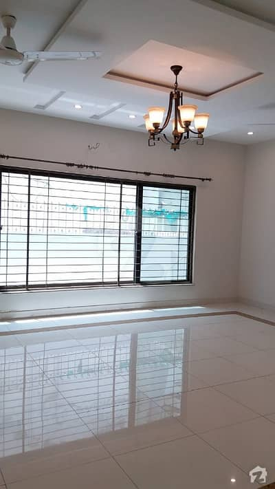 01 kanal look like brand new slightly used  BUNGALOW FOR RENT IN sui gas society near to DHA PHASE 5
