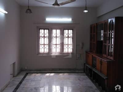 ایف ۔ 10/2 ایف ۔ 10 اسلام آباد میں 6 کمروں کا 1.02 کنال مکان 8.3 کروڑ میں برائے فروخت۔