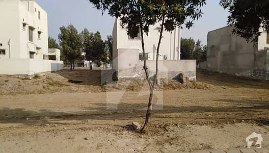 Plot No 8 Corner Rafi Extension Block Bahria Town Lahore Available For Sale