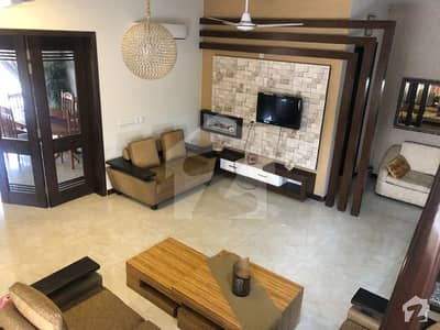 04 Kanal Farm House On Rent In Main Bedina Road Lahore Luxury 03 Master Bed Room Attach Cabin Bath