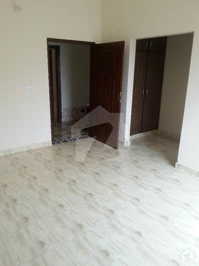 Brand New Room For Rent Near Ucp And Emporium Mall