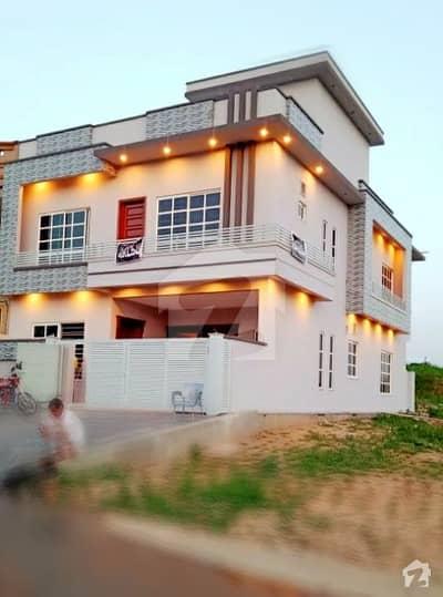 جی ۔ 13 اسلام آباد میں 5 کمروں کا 8 مرلہ مکان 3. 25 کروڑ میں برائے فروخت۔