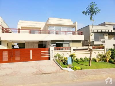 1 Kanal brand new gorgeous  bungalow for sale