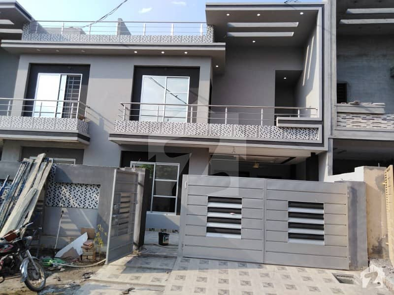 10 Marla Brand New Luxury House At Prime Location