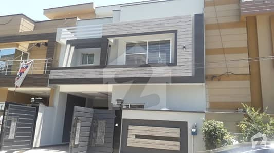 5 Marla Brand New House Solid Construction for Sale
