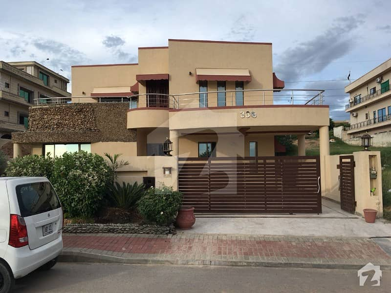 Beautiful House  1 Kanal In Heart Of Bahria