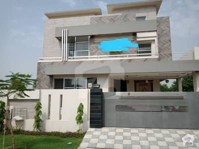 11 Marla Beautiful Brand New House Available for rent