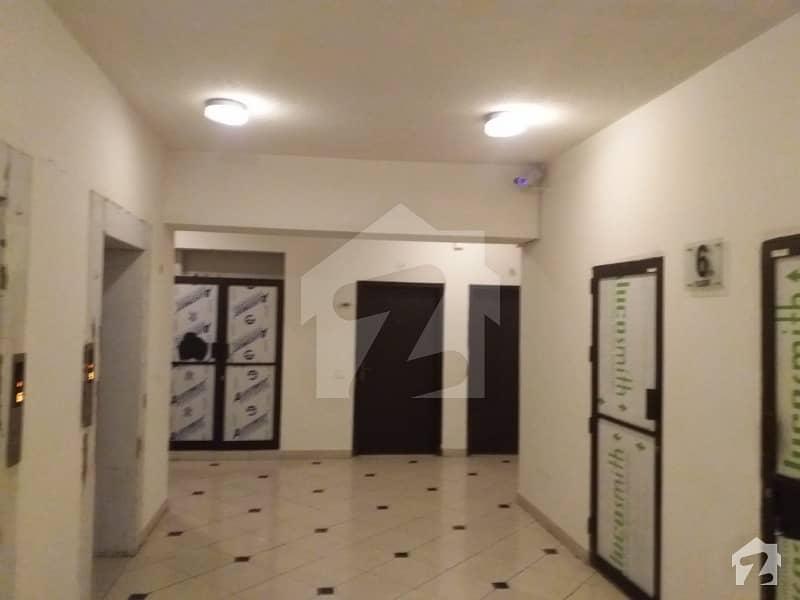 ڈیفینس ایگزیکٹو اپارٹمنٹس ڈی ایچ اے ڈیفینس فیز 2 ڈی ایچ اے ڈیفینس اسلام آباد میں 2 کمروں کا 7 مرلہ فلیٹ 85 لاکھ میں برائے فروخت۔