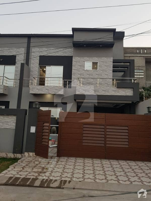 10 Marla Brand New House, 5 Bed, 2 Kitchen, Tv Lounge, Drawing,dining, Terrace Porch