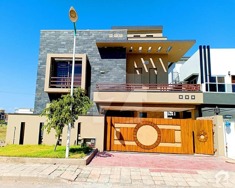 Lavish 10 Marla Double Unit House Is Available For Sale