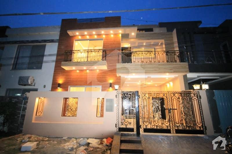 5 Marla Brand New Luxurious Villa For Sale