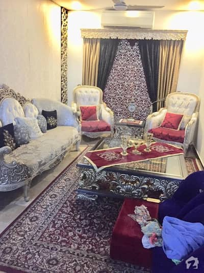 1 Bed Outclass Furnished With Kitchen And Tv Lounge For Female