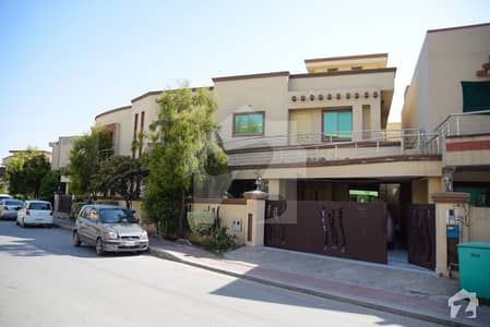15 Marla House For Sale In Bahria Town Phase 2 On Prime Location
