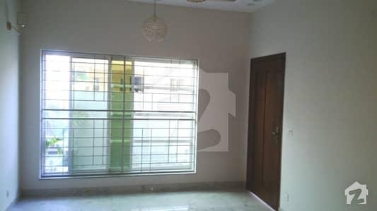 طارق گارڈنز ۔ بلاک ایف طارق گارڈنز لاہور میں 5 کمروں کا 10 مرلہ مکان 2.45 کروڑ میں برائے فروخت۔