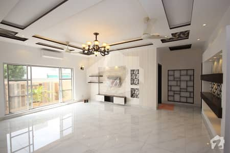 One Kanal Designer Bungalow on Very Beautiful Location of Phase 6 DHA Lahore