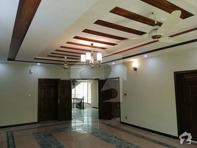 1 Kanal Beautiful Triple Unit House For Rent On Excellent Location