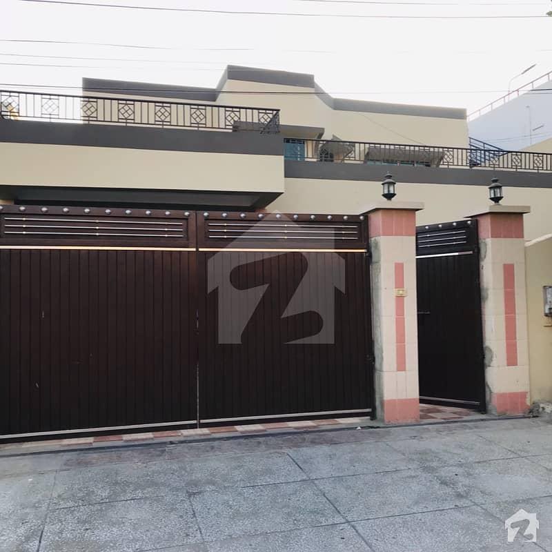 عسکری 4 گلستانِ جوہر کراچی میں 4 کمروں کا 1 کنال مکان 9.75 کروڑ میں برائے فروخت۔