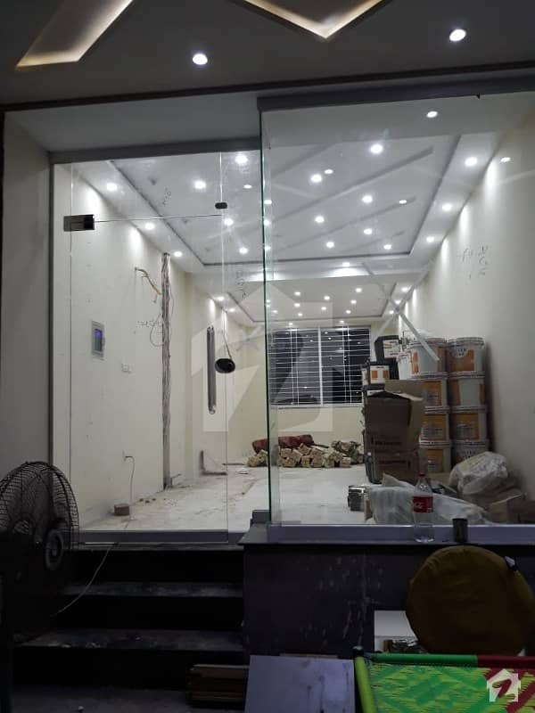 BRAND NEW SHOPE AVALABLE FOR SALE ON MAN LOCATION