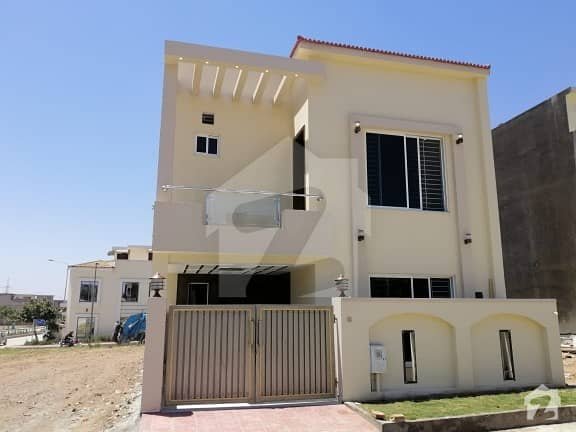 Ali Block 5 Marla Brand New Architecture House Available For Sale