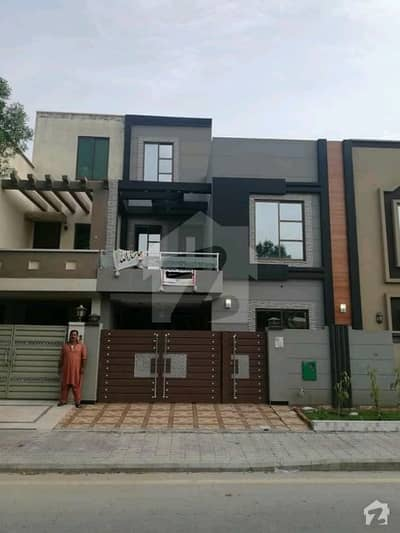 5 marla brand new stylish house for sale bahria town Lahore sector d block aa