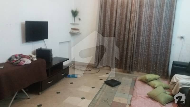 10 Marla Lower Portion For Rent In Wapda Town Lahore