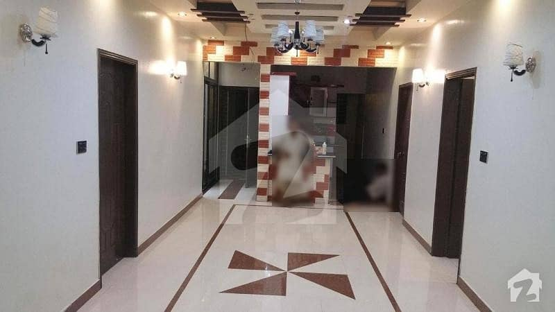 3 Bedrooms Flat For Rent