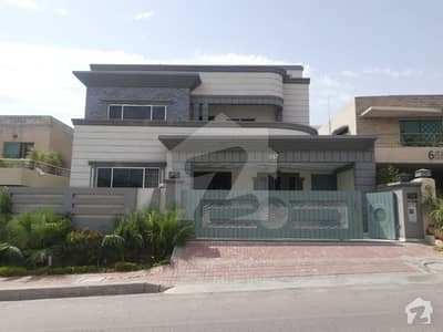 Luxury 5 Bedroom 1 Kanal House For Rent