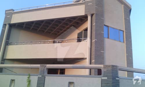 600 Yard Commercial Use Bungalow On Rent Main Shahra E Quaideen Pechs