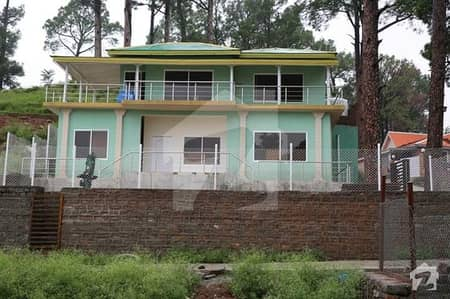10 MARLA PLOT IN THE HEART OF MURREE WITH ALL FACILITIES