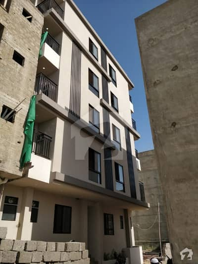 3 Bed D/D Flat Available For Sale 1200 Sq Ft   West Open