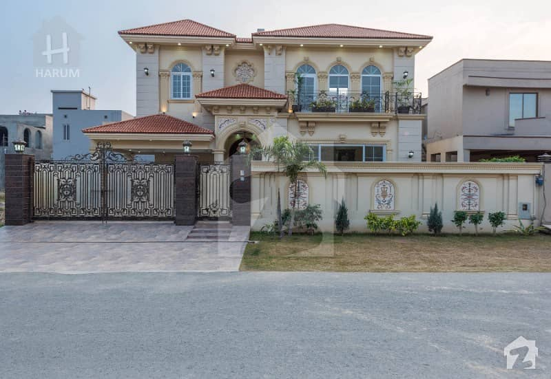 1 Kanal New Spanish House Very Close To Park And Mosque
