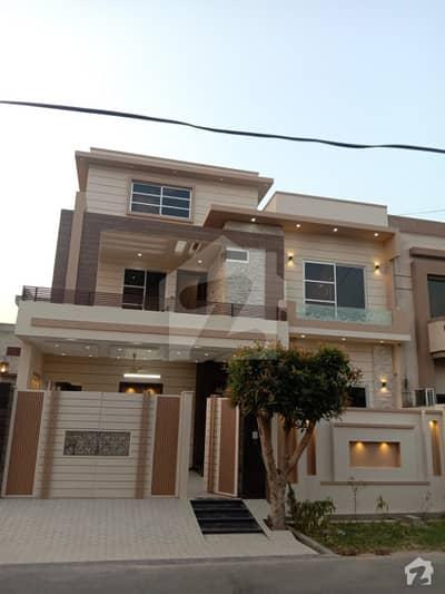 کینال ویو ہاؤسنگ سکیم گوجرانوالہ میں 5 کمروں کا 10 مرلہ مکان 1.9 کروڑ میں برائے فروخت۔