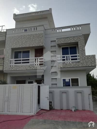 Proper Corner 25x40 Vip House Extra Land Prime Location Sun Facing 4 Bedroom For Sale