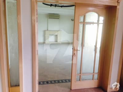 Almost New Luxury Bungalow for Rent on Prime Location