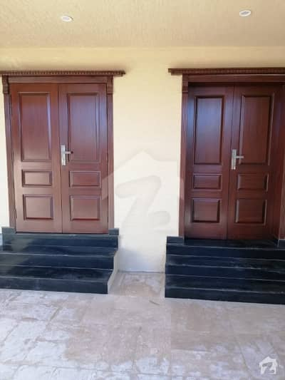 10 Marla Prime Location House For Sale Bahria Town Phase 8