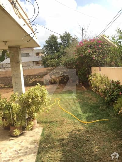 1066 Sq Yard Bungalow Proper 02 Unit Available For Sale At Most Prime Location Of Phase 01