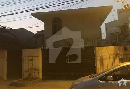 500 Yard Bungalow Phase 1  Posh Locality Chance Deal 65000000