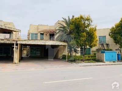 600 Square Yard Executive Lodges House For Sale Bahria Town Phase 3