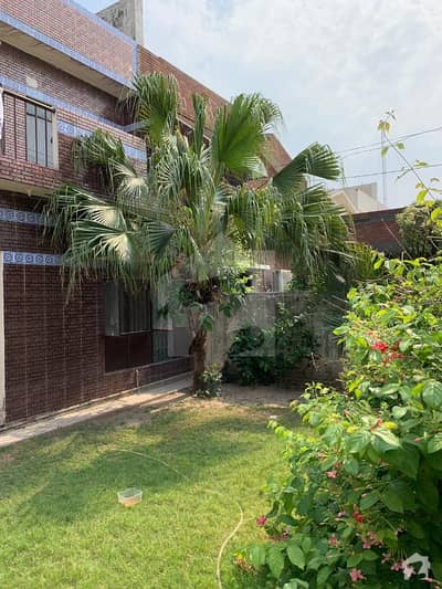 11 Marla Owner Build House For Sale