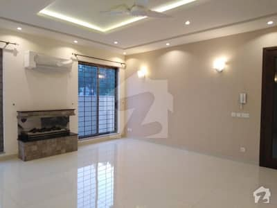 1 Kanal Out Class Lavish Upper Potion For Rent In Dha Lahore