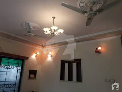 A Very Well Maintained 10 Marla House In Price Of Plot For Sale In Cantonment Area