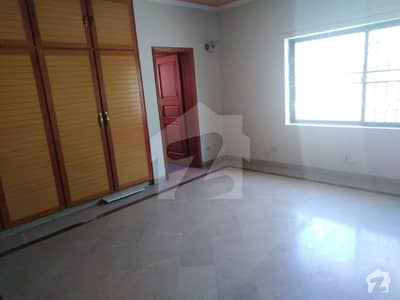 1 Kanal Double Unit House Available For Rent In DHA Phase 4 Full Basement