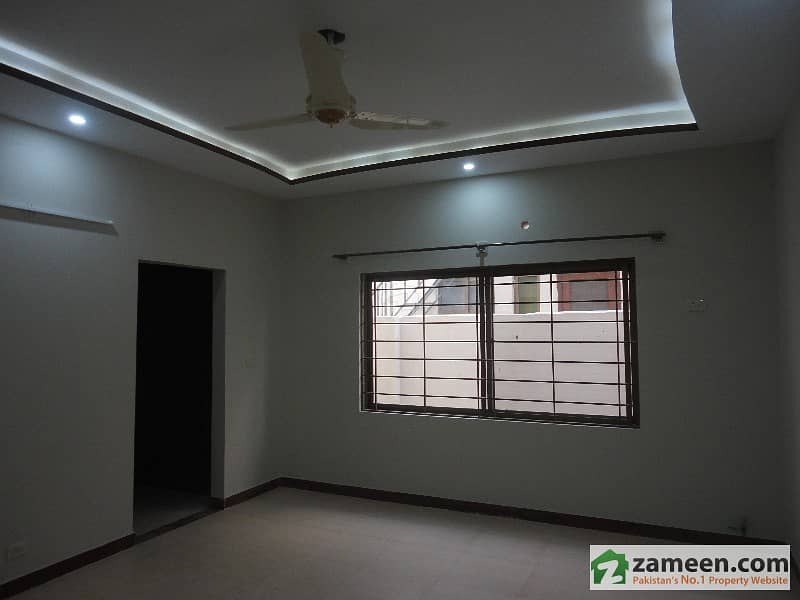 10 Marla 3 Beds Apartment Available For Rent In Askari 7